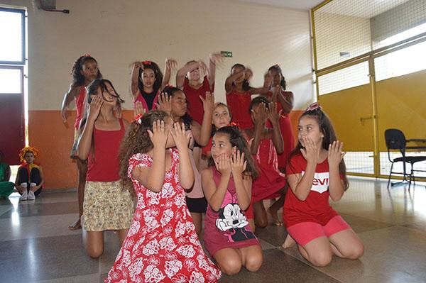 Escola Maria do Carmo realizou Exposição Pedagógica em Garça