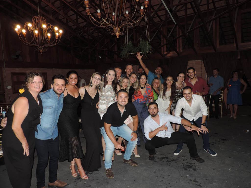 Jantar comemora os 30 anos da Henlau Química em Garça