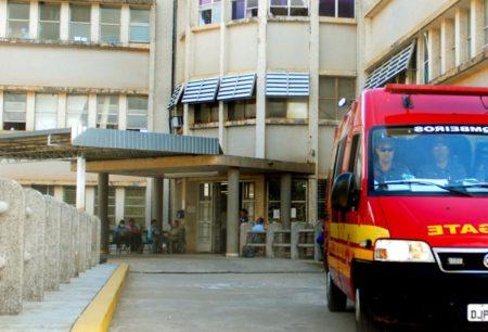 Motorista ferido em grave acidente é transferido ao HC de Marília