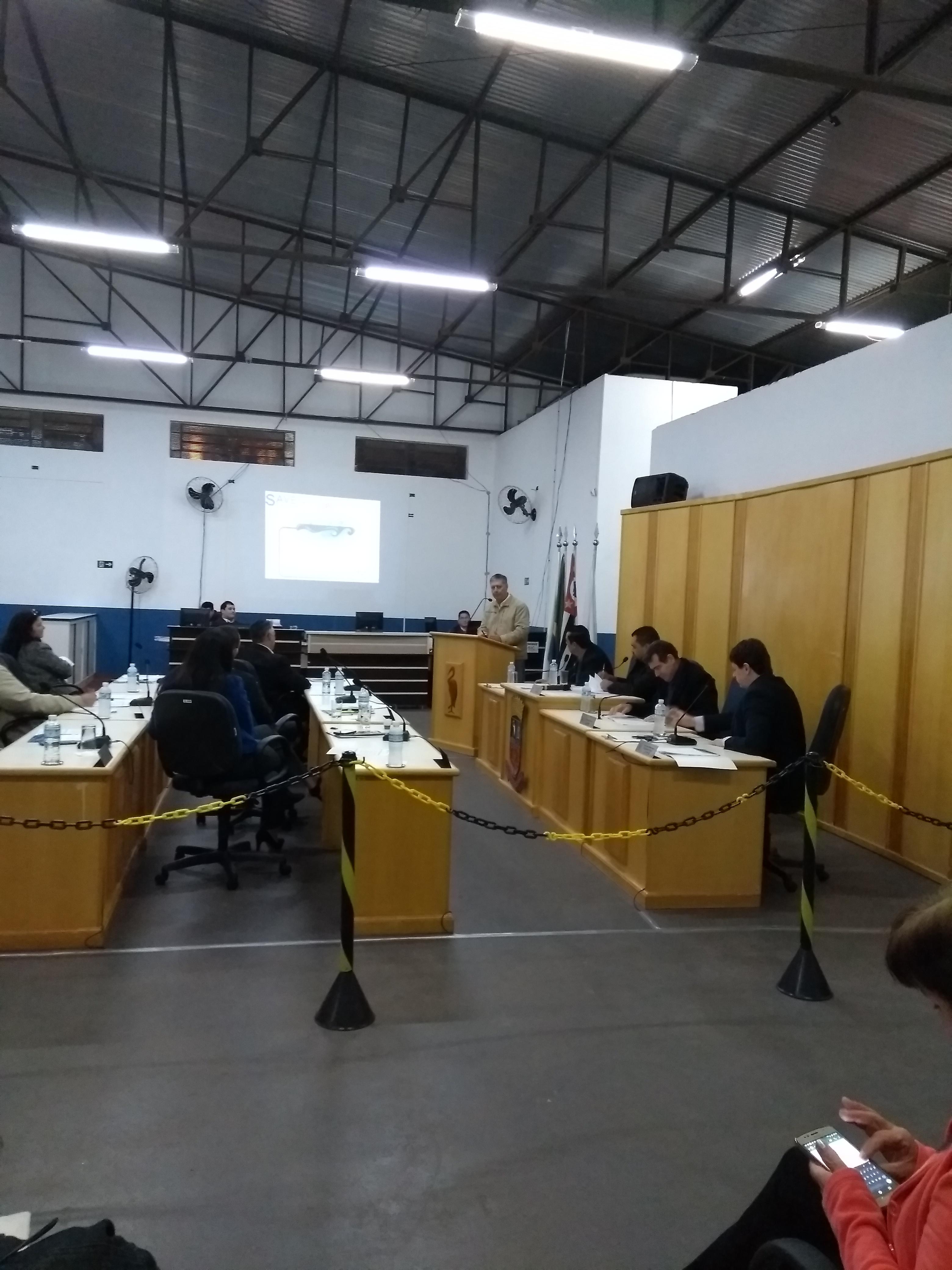Projeto que prevê mudança no horário das sessões foi adiado