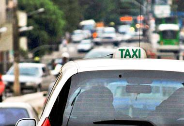 Ipem-SP orienta população sobre a utilização de táxi