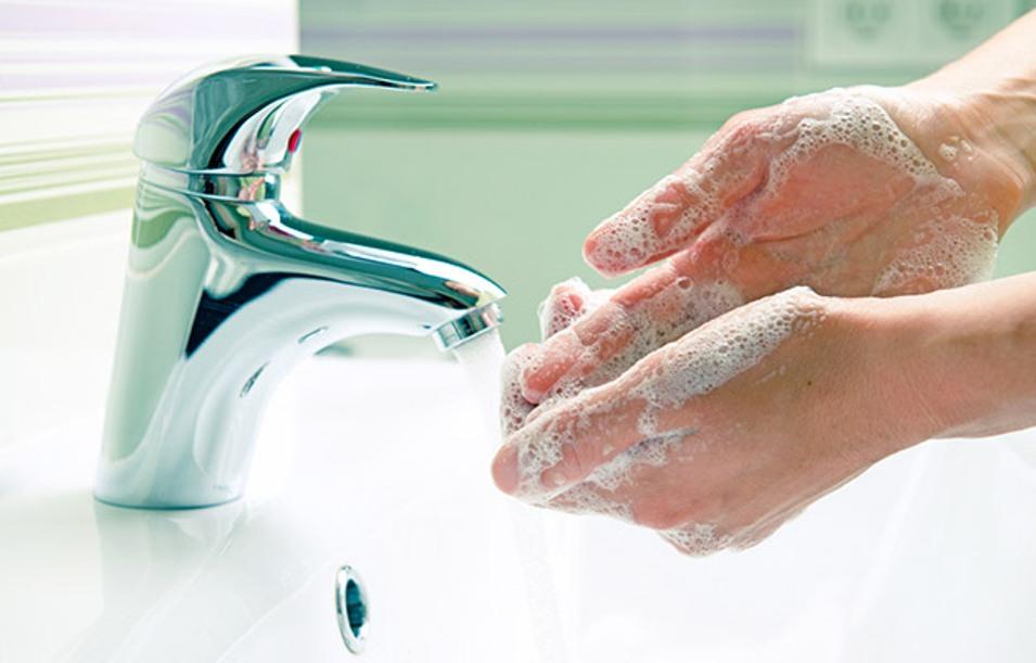 Lavar bem as mãos ajuda a prevenir doenças infecciosas
