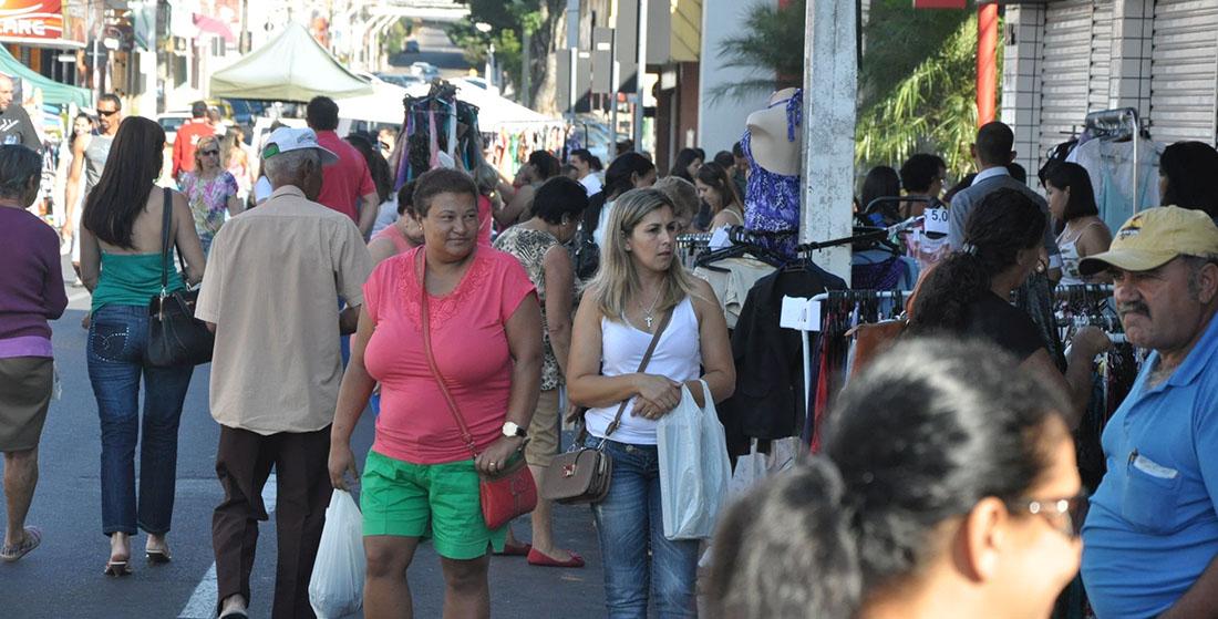 Movimento do Comércio avança 1,4% em agosto, diz Boa Vista