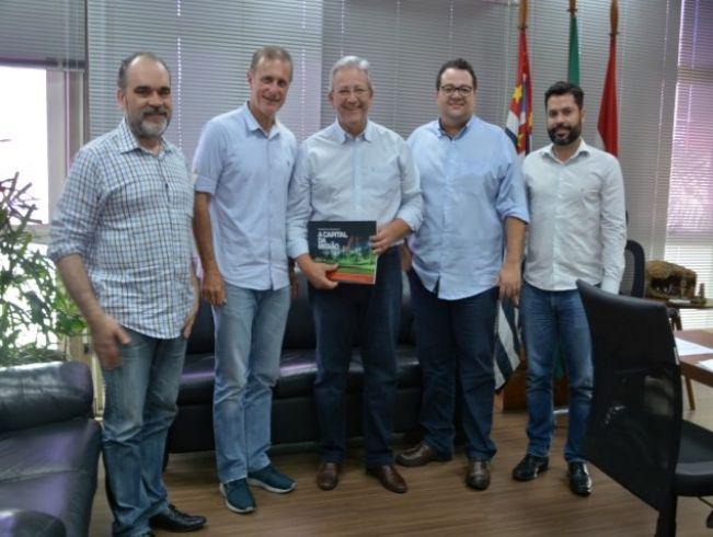 Garça assina termo de cooperação com Presidente Prudente