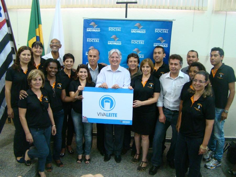 Prefeitos de 37 municípios renovam, em Garça, convênio do Vivaleite